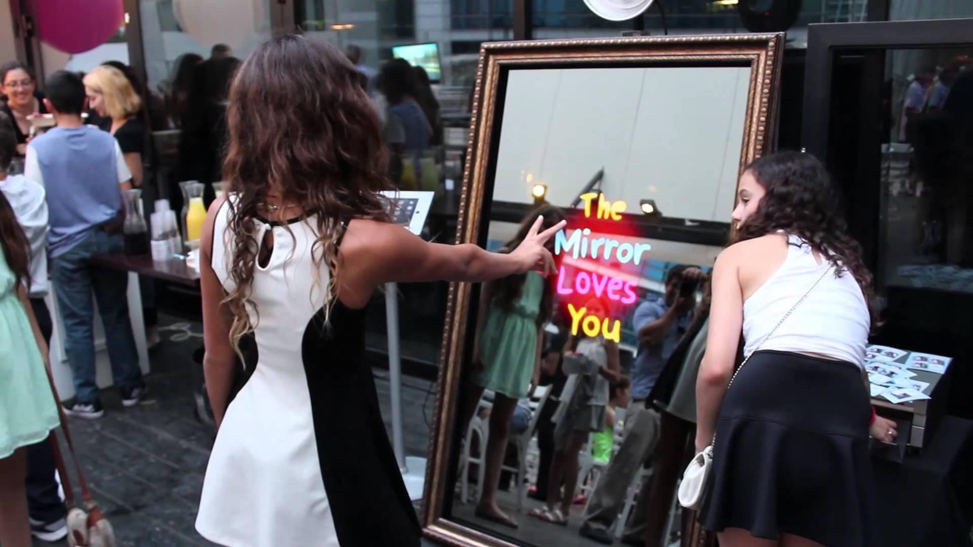 Mirror Me Booth Rentertainment